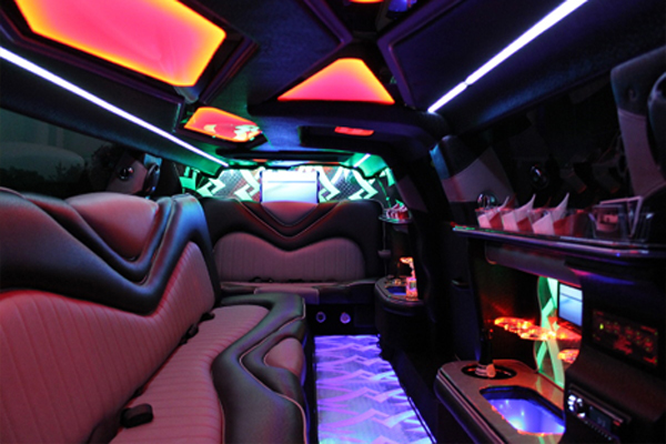 8 Person Chrysler 300 Limo Rental Dallas