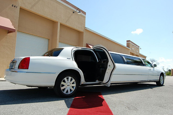 8 Person Lincoln Stretch Limo Dallas